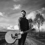 """""""Windward"""" è il nuovo album del bluesman livornese Luca Burgalassi."""