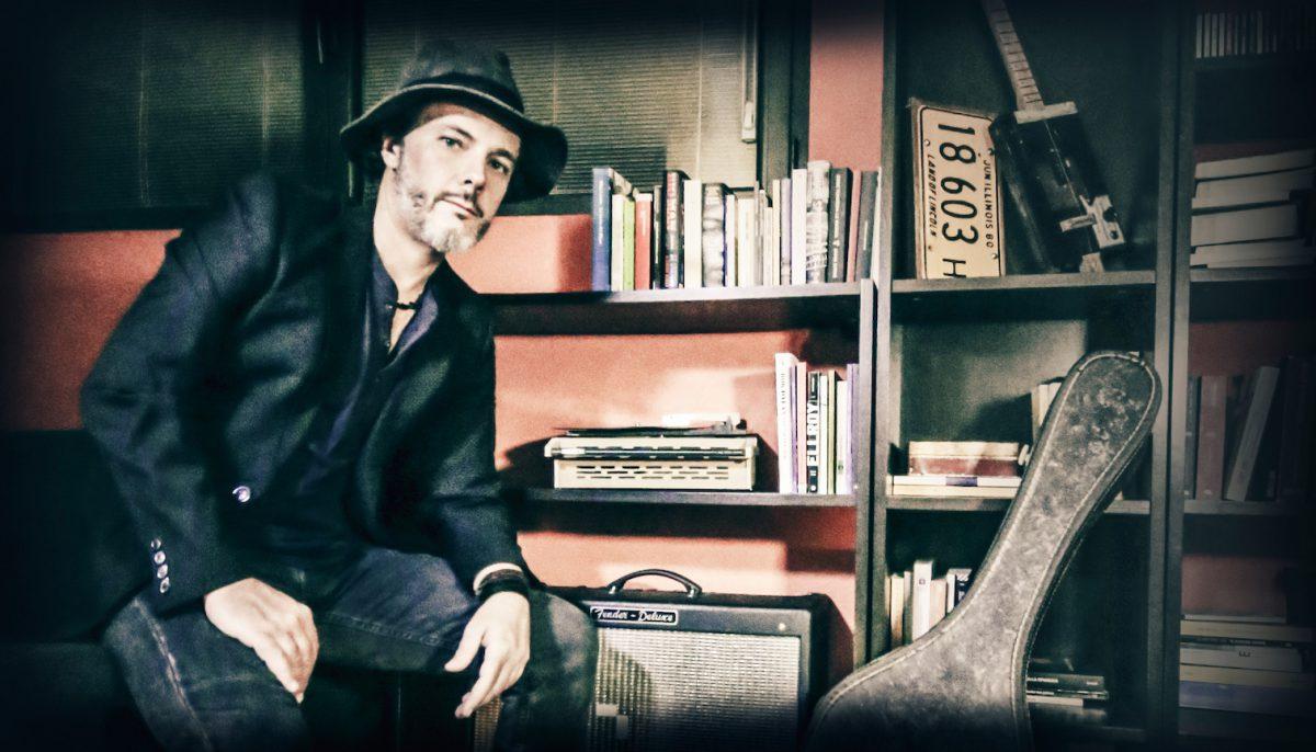 Milano Blues 89: lo show elettro-acustico di Daniele Tenca  sabato 3 febbraio allo Spazio Teatro 89