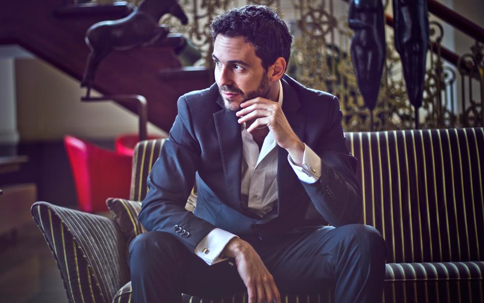 Il piano di Miguel Rodríguez dal vivo all'Elegance Cafè
