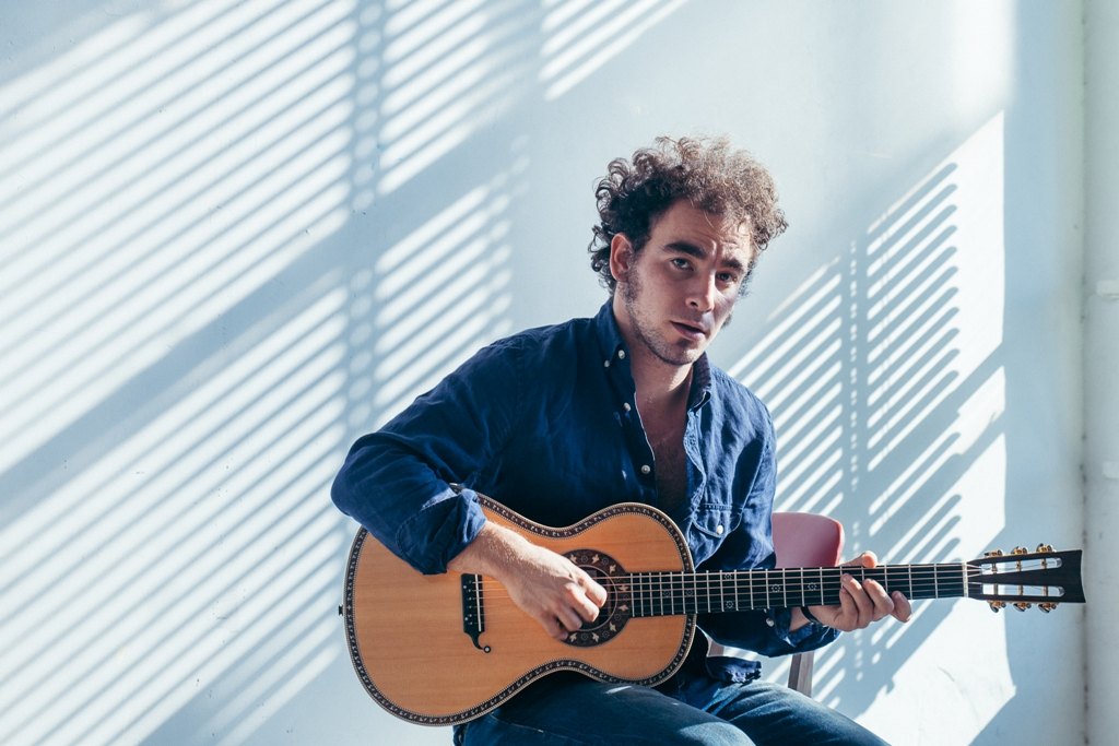 Sconosciuti, Marco Greco pubblica il singolo e il video del brano vincitore del Premio de Andrè 2016