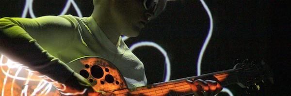 Quirinetta concerto Kaki King con The Neck is a Bridge to the Body