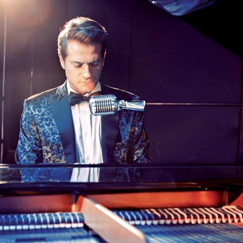 Stefano Signoroni & the MC tra swing e pop all'Elegance Cafè