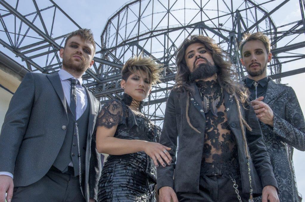 """La band romana HANIA presenta """"Al centro di un amore"""""""