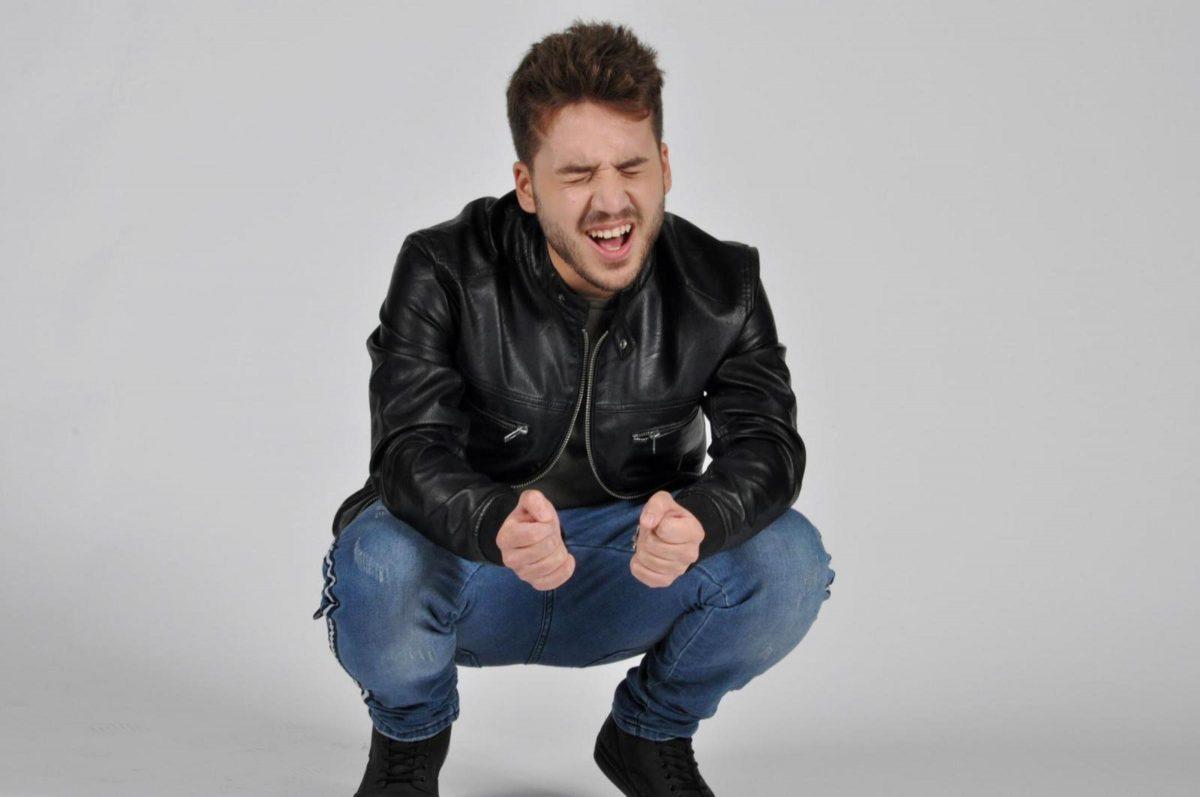 """Ernesto Schinella in radio con il singolo """"Adesso rimani"""""""